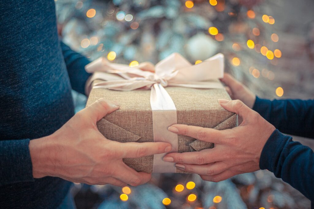Five Gift Suggestions of Interest to him