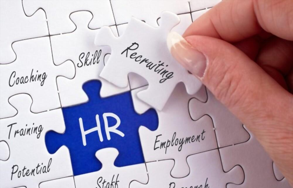 Top 10 Tips To Help HR Get The Most From AI